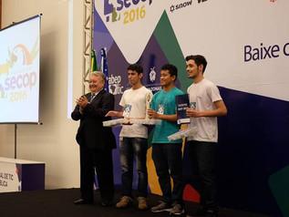 Estudantes do Amazonas ganham prêmio com projeto que ajuda motociclistas
