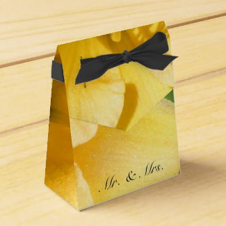 Yellow Lily Flower Tent Favor Box