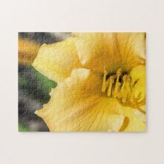 offset_yellow_lily_puzzle-r9c4da74f36e54