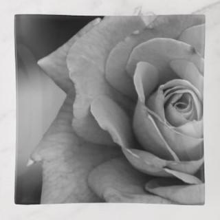 monochromatic_rose_glass_trinket_tray-rd
