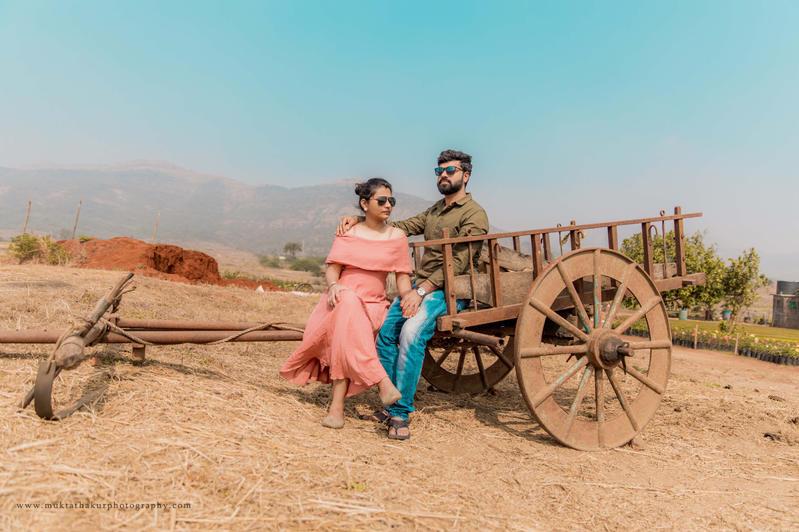 Pre-wedding photoshoot in Lonavala by Mukta Thakur Photography Mumbai