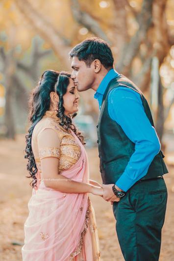 Pre wedding couple photoshoot in Mumbai by Mukta Thakur Photography