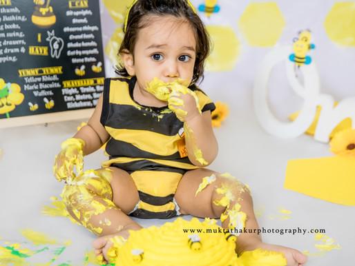 Bumble Bee theme - 1st Birthday cake smash session - Mumbai photographer.