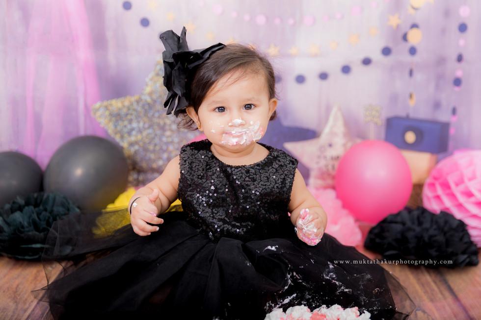 Baby Photography in Mumbai | Baby Photographer in Mumbai | Cake smash photography