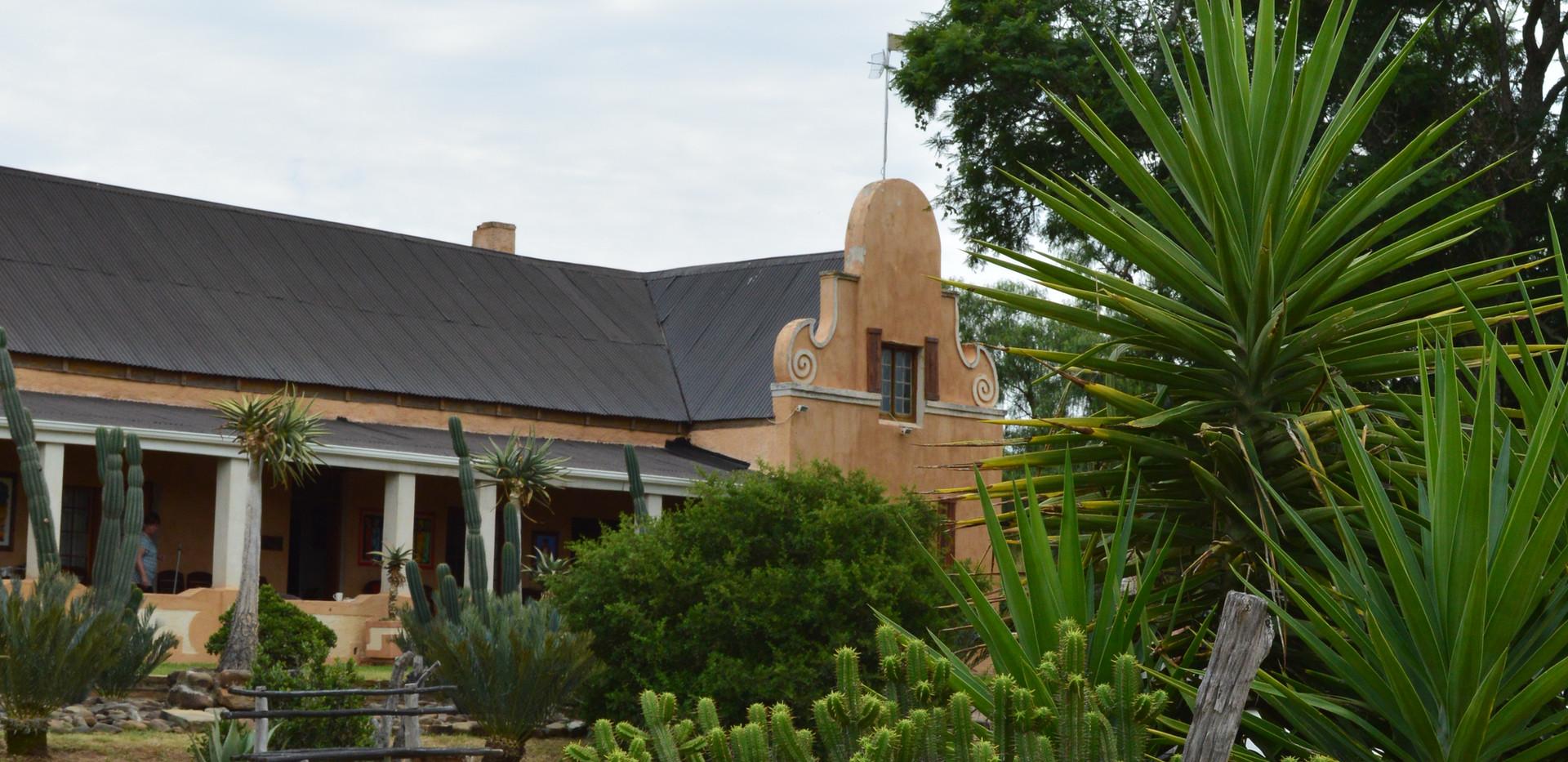 Main Lodge of Hunt SA Ranch