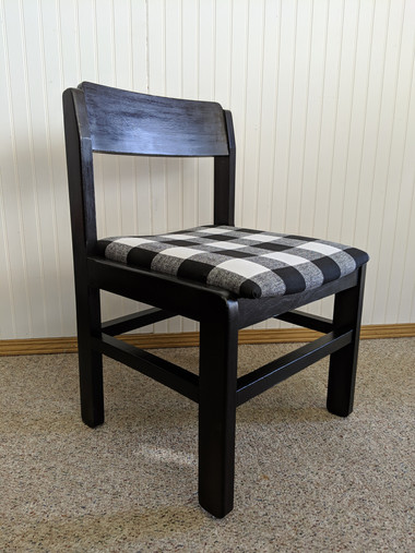 black buffalo plaid chair