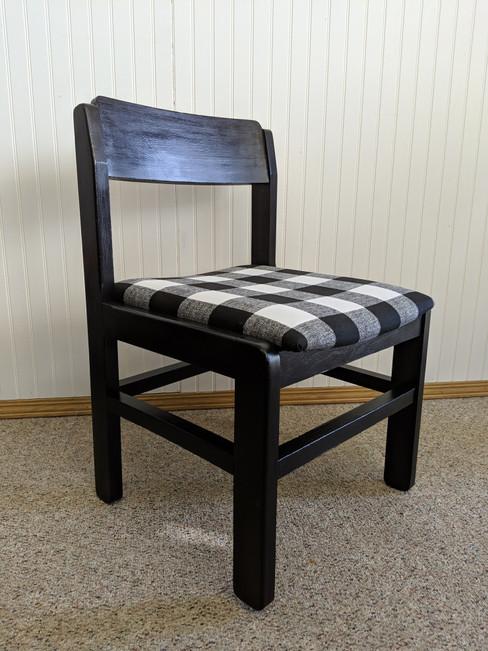 black buffalo plaid chair