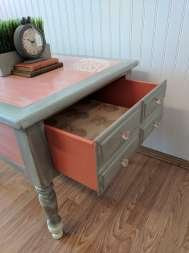 pink and gray drawers