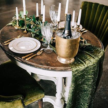 Sweetheart Oval Table