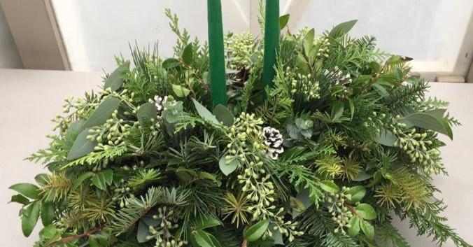 Centerpiece greenery Christmas.jpg