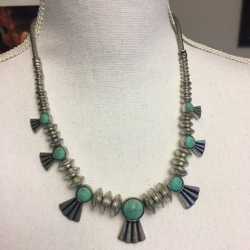 SILVER/TURQUOISE NAVAJO STYLE NECKLACE