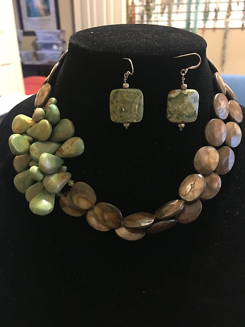 JADE/BROWN STONE NECKLACE & EARRING SET