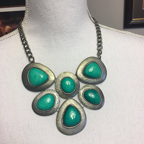 SILVER & GREEN STONE COSTUME NECKLACE