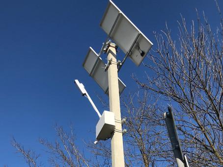 Монтаж светильника на солнечных батареях
