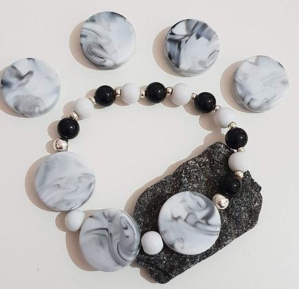 צמיד- שחור לבן