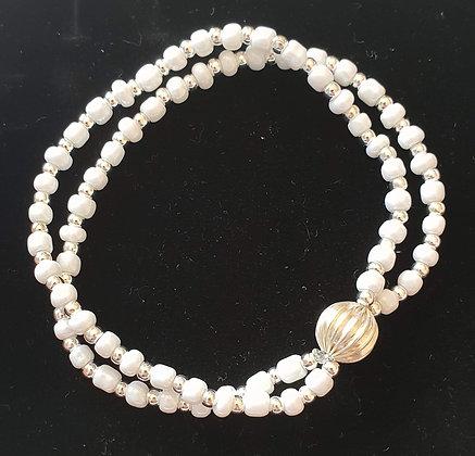 צמיד- פרח לבן