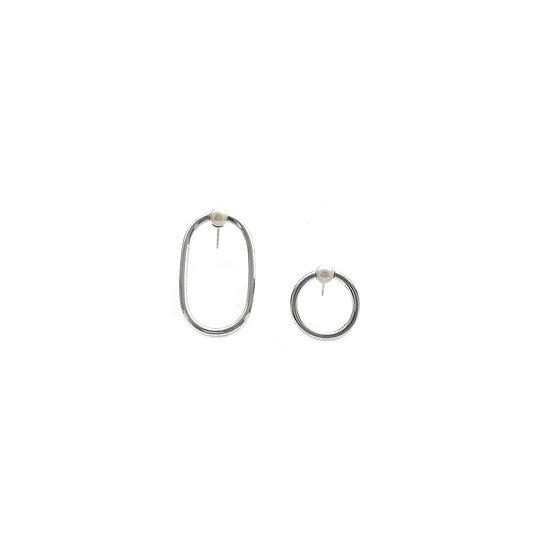 08:00 Earrings