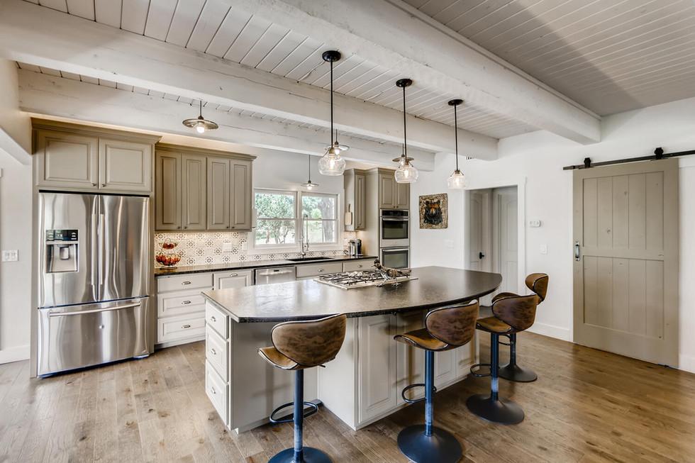 10210 Crumley Ranch Rd Austin-large-009-017-Kitchen-1500x1000-72dpi.jpg