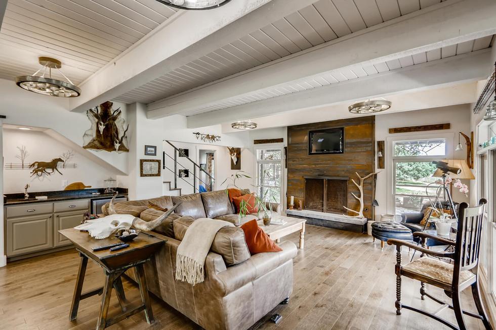 10210 Crumley Ranch Rd Austin-large-005-006-Living Room-1500x1000-72dpi.jpg