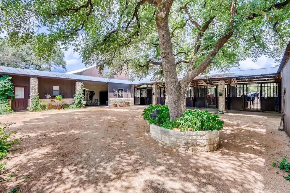 10210 Crumley Ranch Rd Austin-large-043-038-Paddock Courtyard-1500x1000-72dpi.jpg