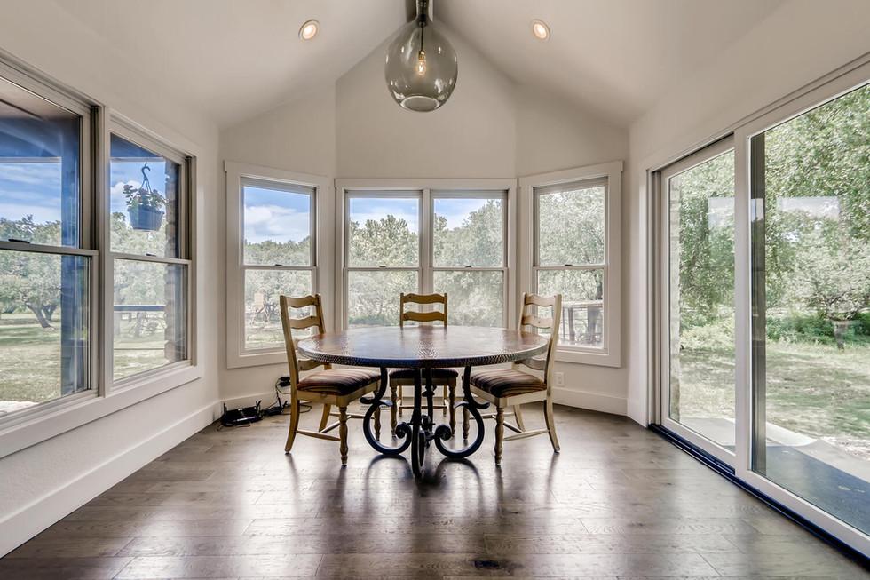 10210 Crumley Ranch Rd Austin-large-008-003-Dining Room-1500x1000-72dpi.jpg