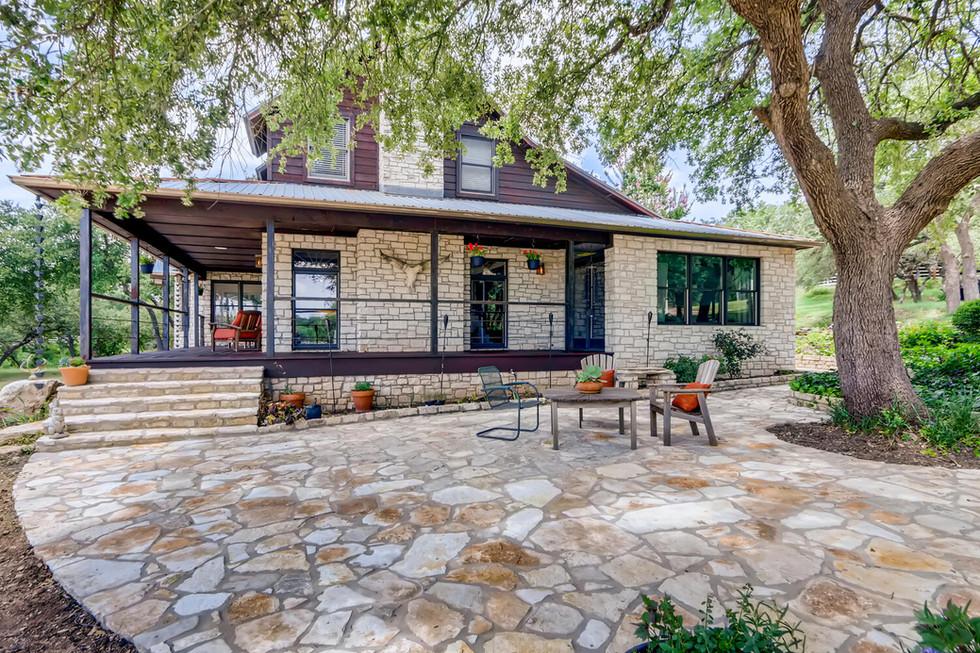 10210 Crumley Ranch Rd Austin-large-031-031-Side Patio-1500x1000-72dpi.jpg