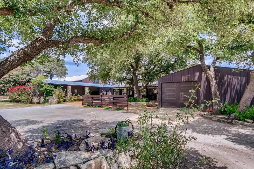 10210 Crumley Ranch Rd Austin-large-041-040-Paddock-1500x1000-72dpi.jpg