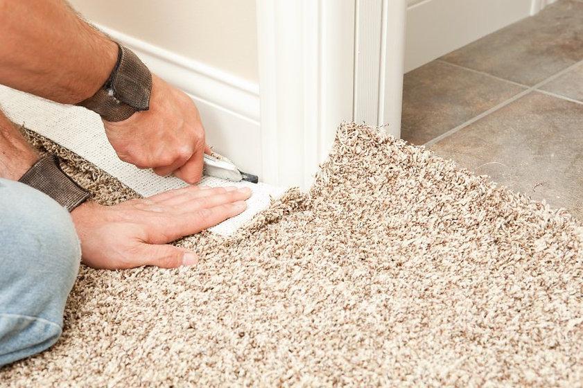 Teppich-auf-Fliesen-verlegen.jpg
