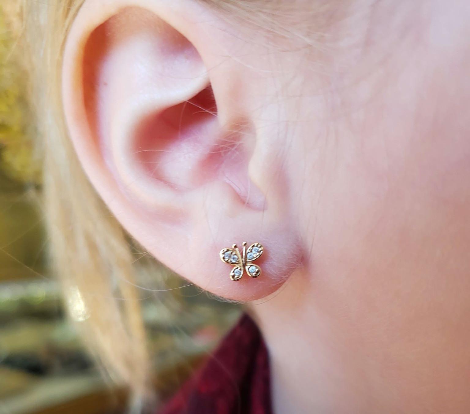 Single Lobe Piercing (ages 5-9)