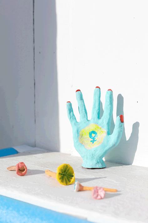 Aubrey-Ingmar-Manson_Faster-Hammers-hand