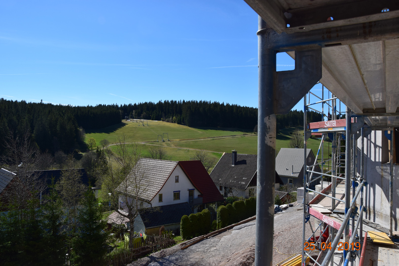 Blick 1 v. Balkon 2. OG Whg 2.JPG