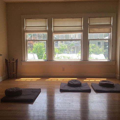 Come sit with us and enjoy the sunset in the #Indianapolis #Zen Center #dharma  room.jpg