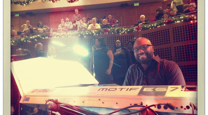 J.Mike on tour with Peabo Bryson and CeCe Winans in December 2013.