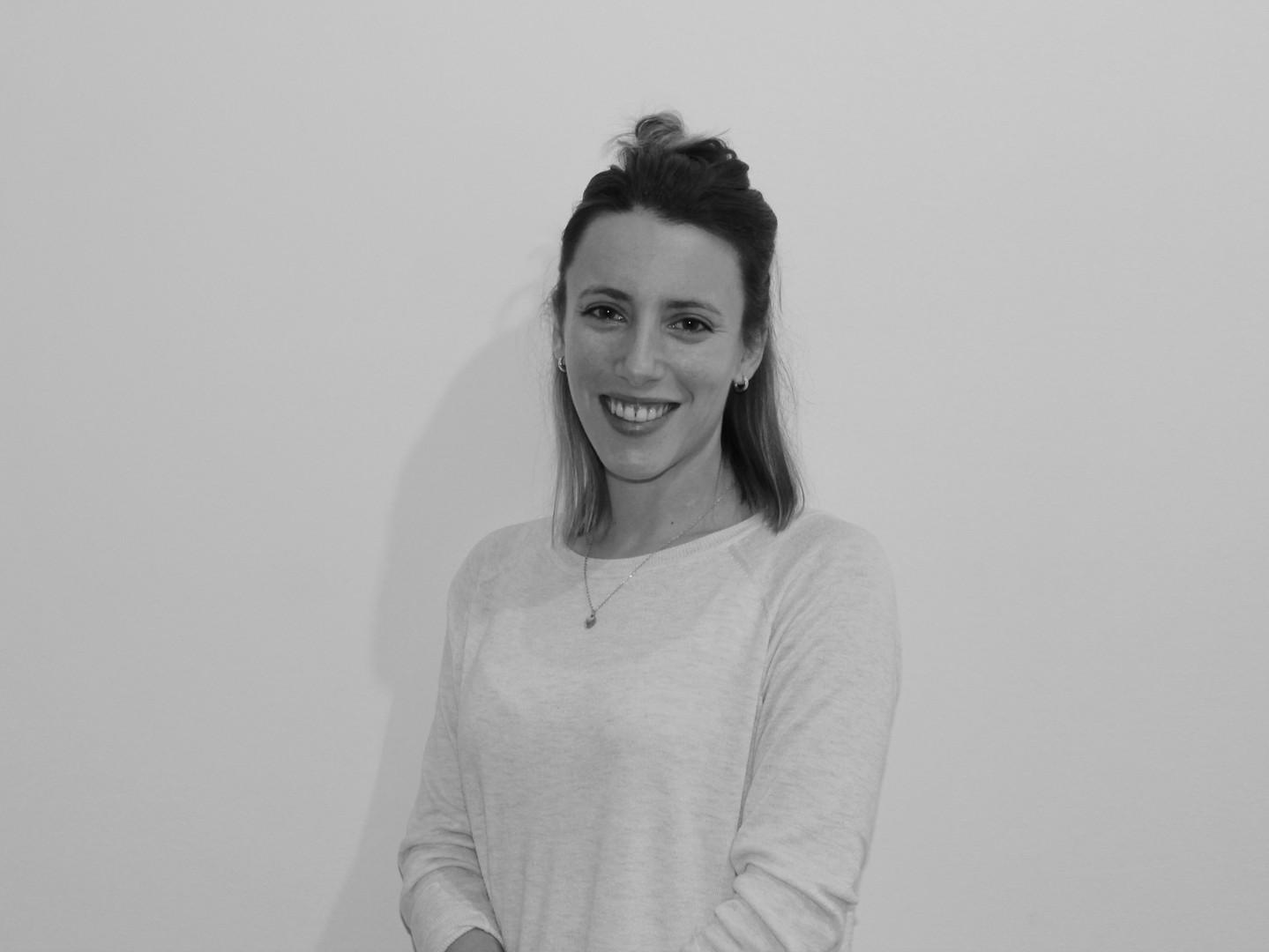 Lorena Perez de Tudela Berruezo       - Codirectora de Ayana Psicologia
