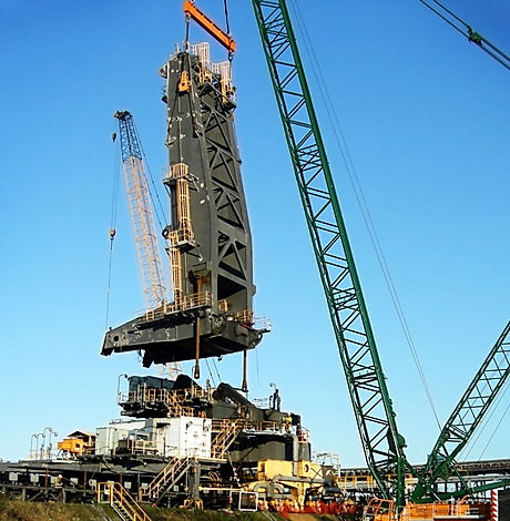 DBCT L-Frame Lift  Utilizing 80T capacity equalling sheave blocks, TEAM lifted this 155T L-Frame from SR4.