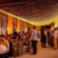 Nuvem de LED para festas e casamentos.