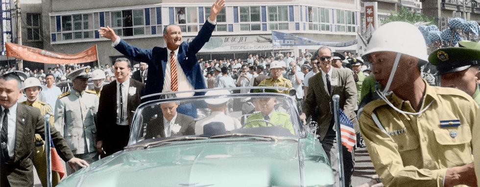 18-Lyndon B. Johnson, vicepresidente de EE. UU_edited.jpg