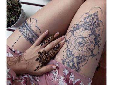 Tetovaža, ki je videti kot prava, v resnici pa je naravna in začasna?