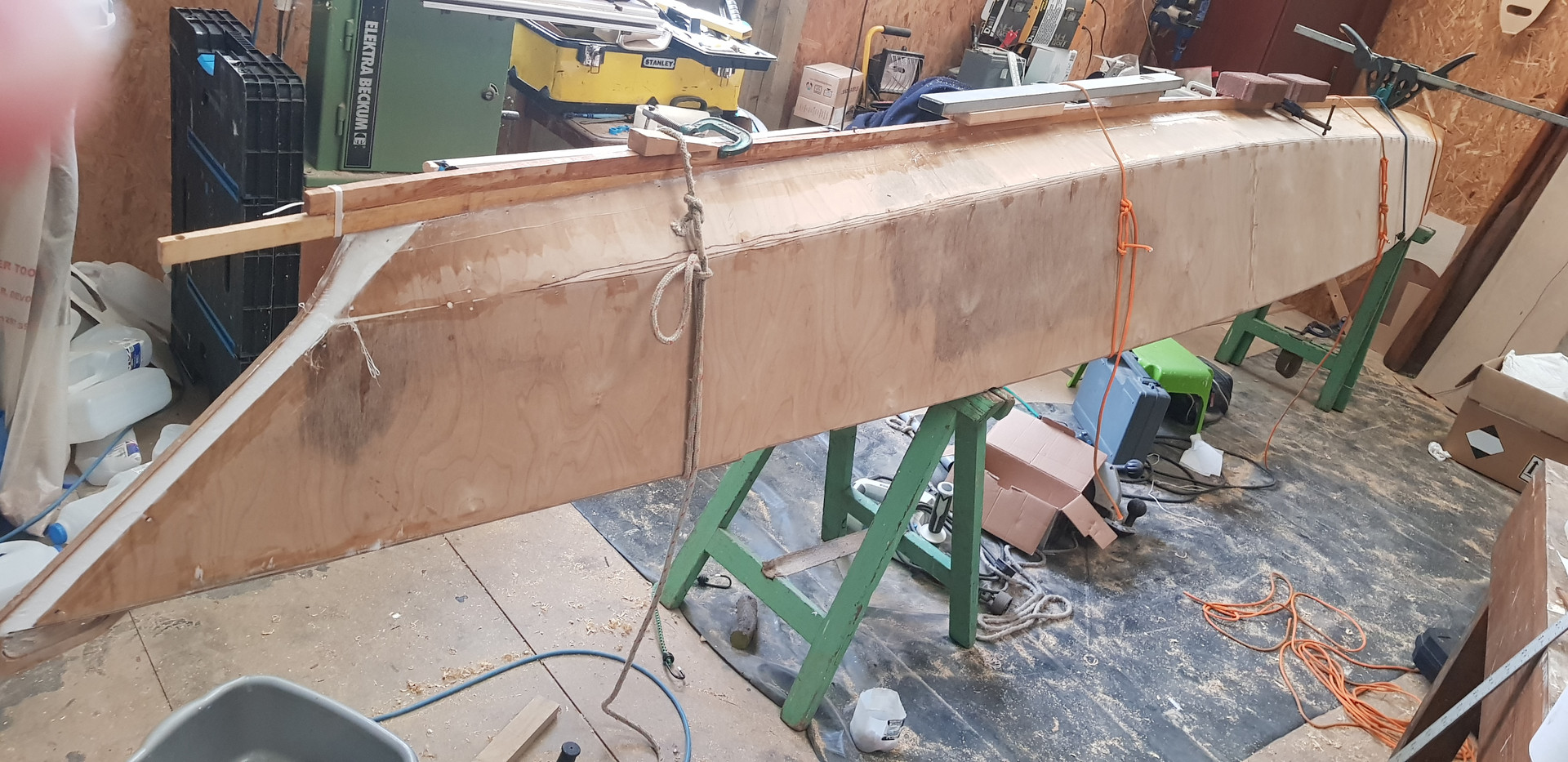 A keel is fitted retrospectively - protection and lateral resistance