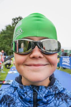 Portrait Junge mit Schwimmbrille-2885