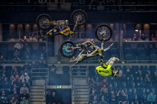 Luc Takes Lead | Official Site / Tickets / NIGHT of the JUMPs