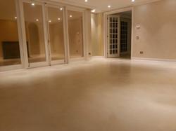 piso microcemento blanco hueso