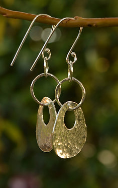 Disc-link earrings