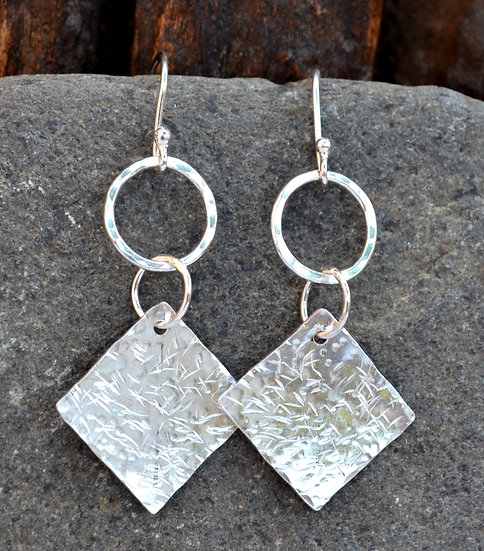 Textured square earings
