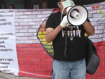 Manifestación en la embajada de Polonia por actos Homofóbicos