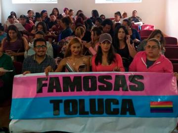 Mujeres trans abren cibercafé gratuito para apoyar a estudiantes en Toluca