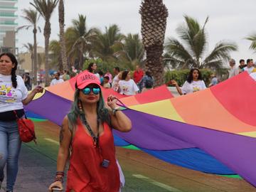 """El Congreso de la CDMX busca eliminar las """"terapias de conversión"""""""