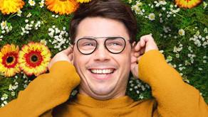 Así es Special, la nueva serie de Netflix sobre un chico gay con parálisis cerebral