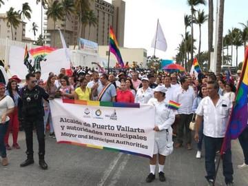 Pride Vallarta todo un éxito Con el Alcalde Encabezando la marcha