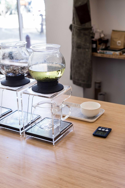 Joko visits coffee bar Toki in Amsterdam, japanese tea ceremony